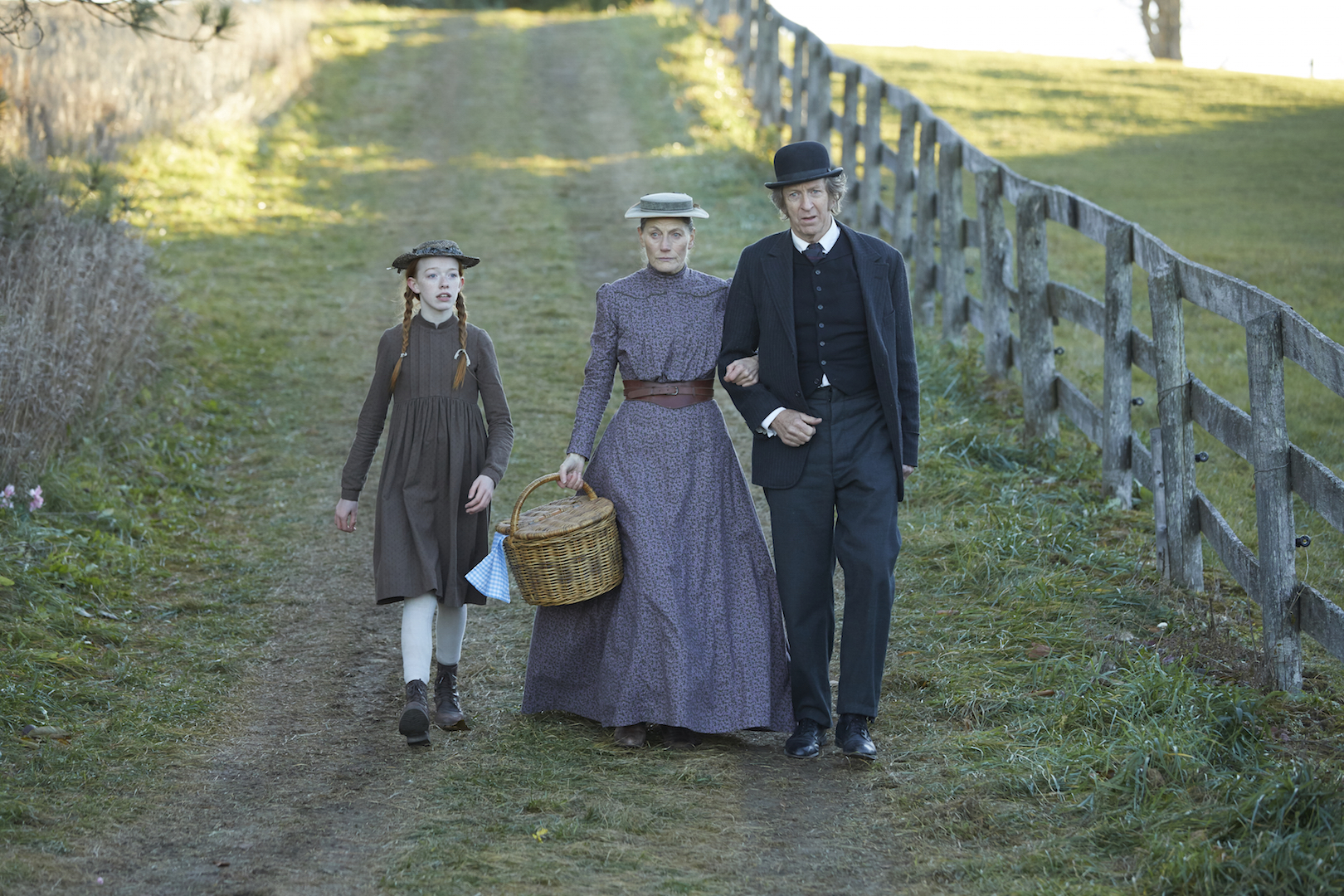 Amybeth McNulty, Geraldine James and R. H. Thomson (photo: Netflix)