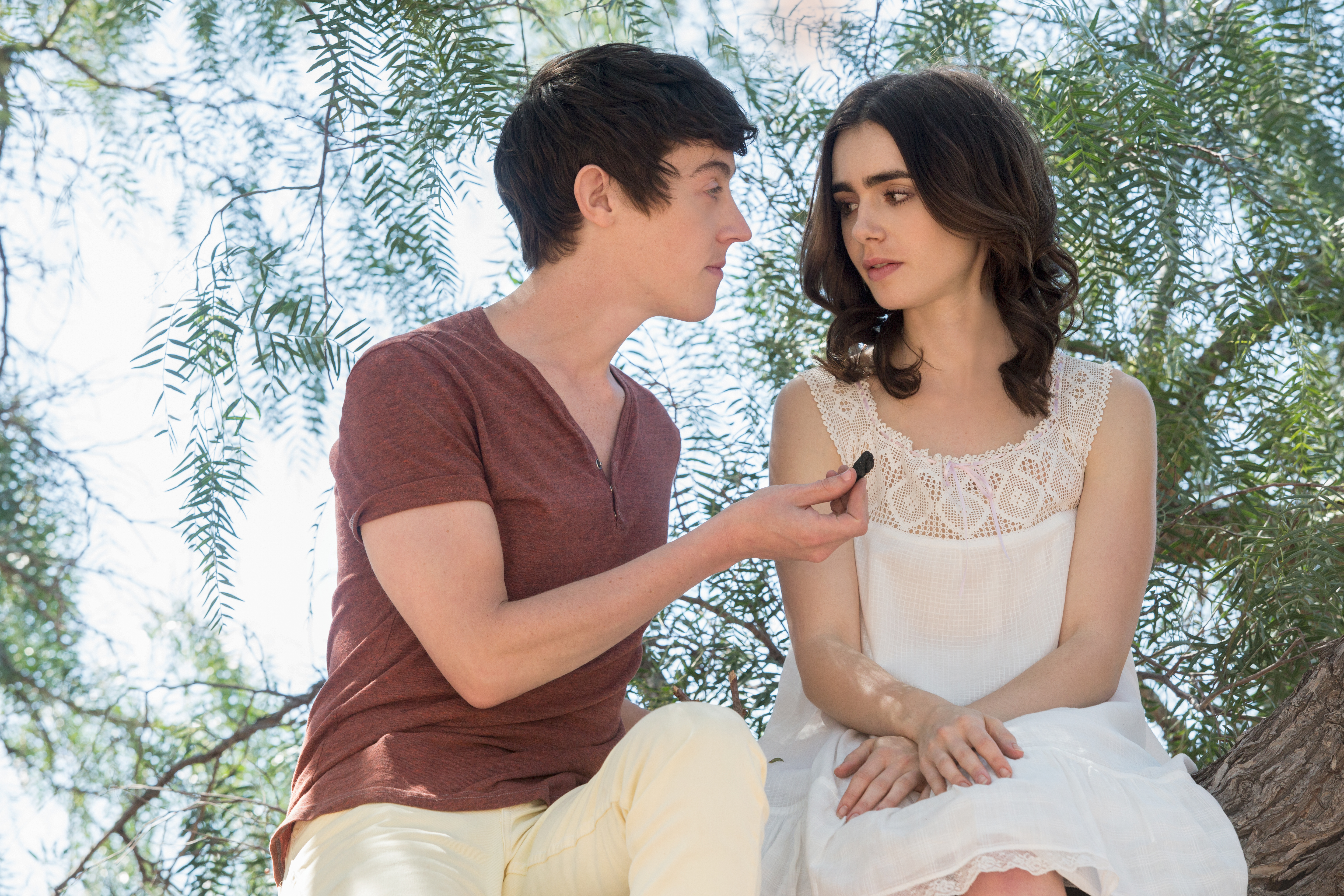 "Alex Sharp and Lily Collins as Luke and Ellen in ""To the Bone"""