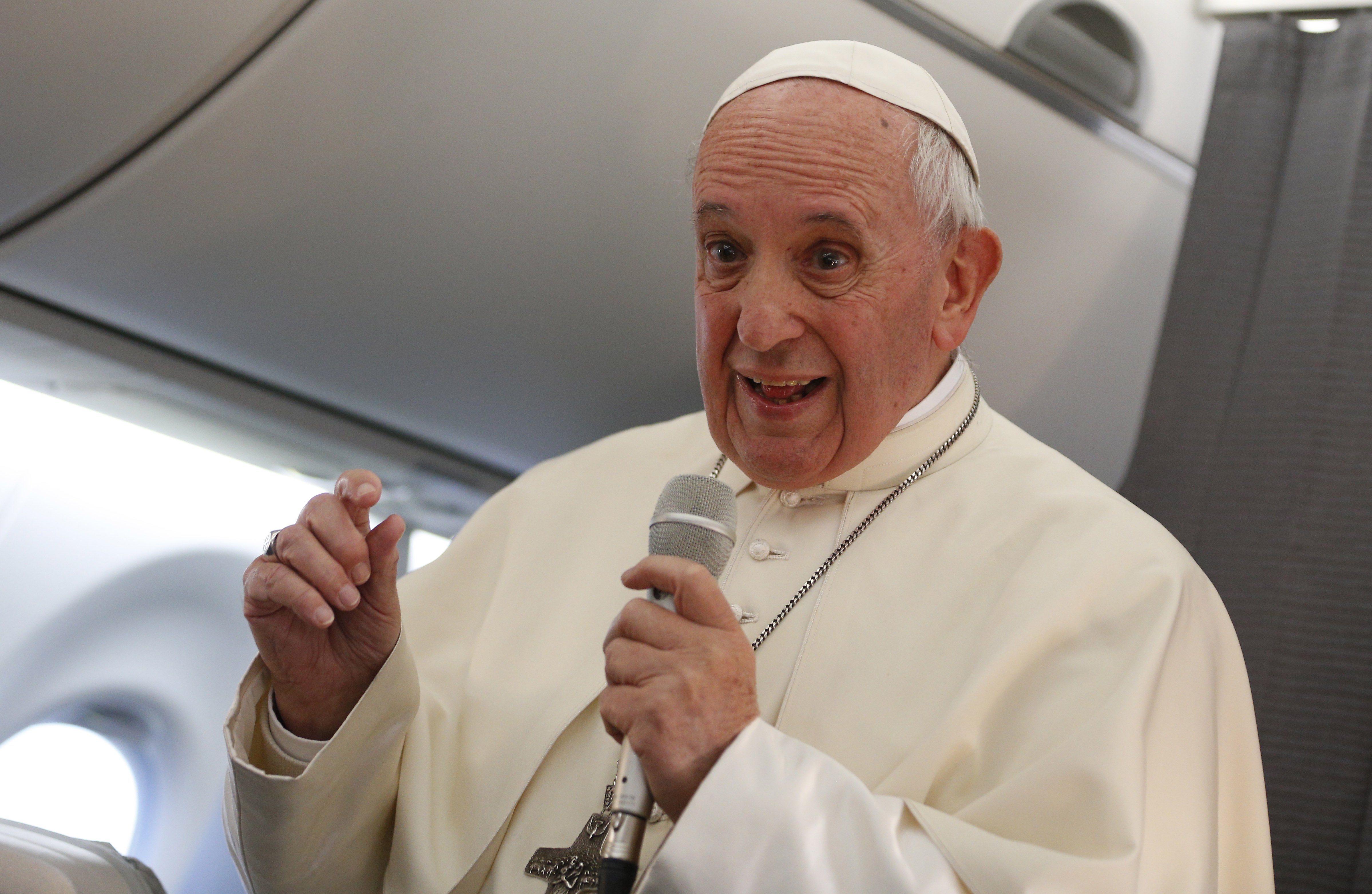 Pope Francis Explains The China Vatican Agreement America Magazine