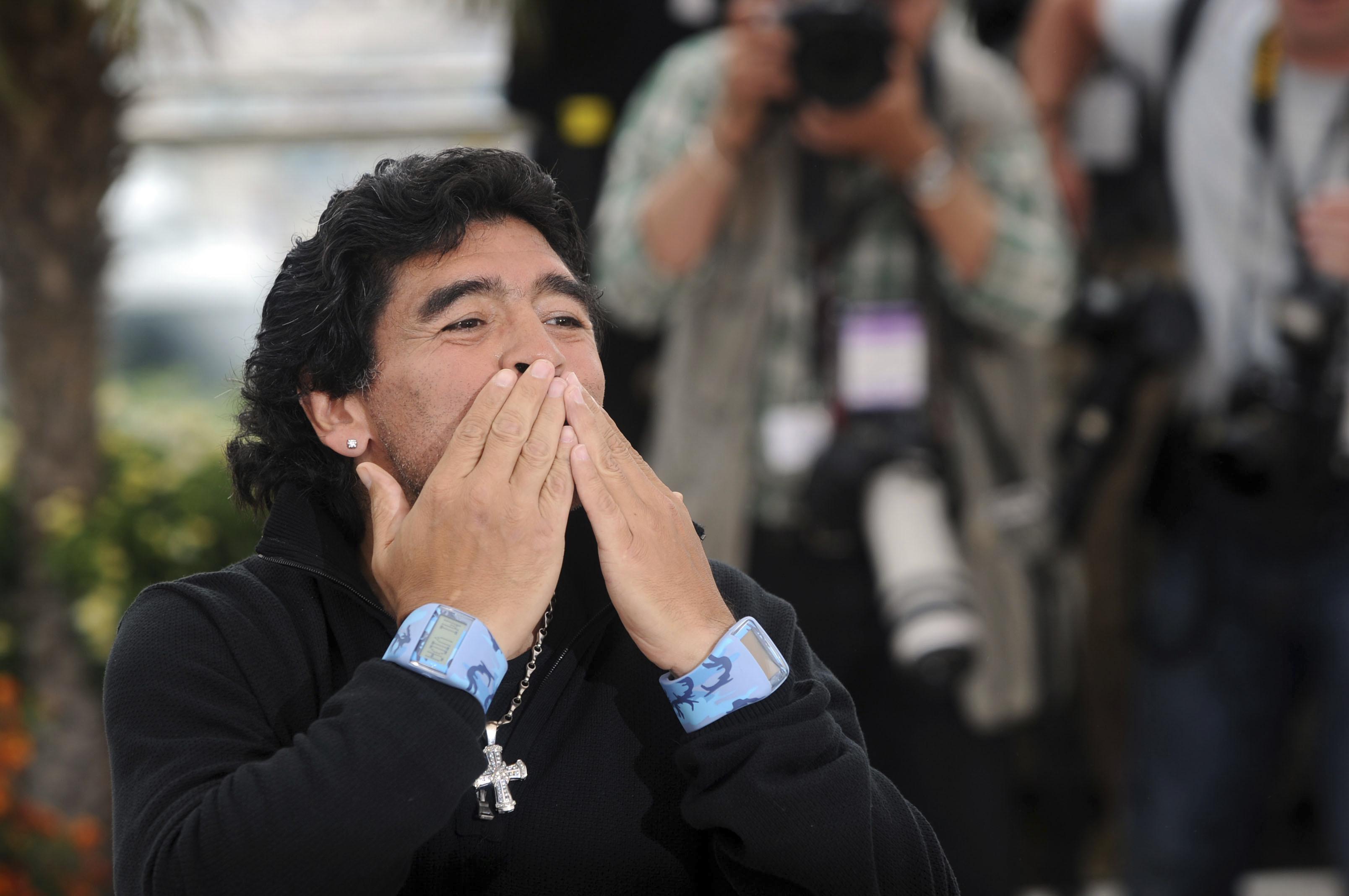 The Church Of Maradona Understanding The Left Wing Saint Of Soccer America Magazine