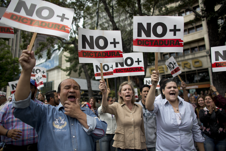 Mexico Stays Neutral In Venezuela Crisis Calls For International Summit