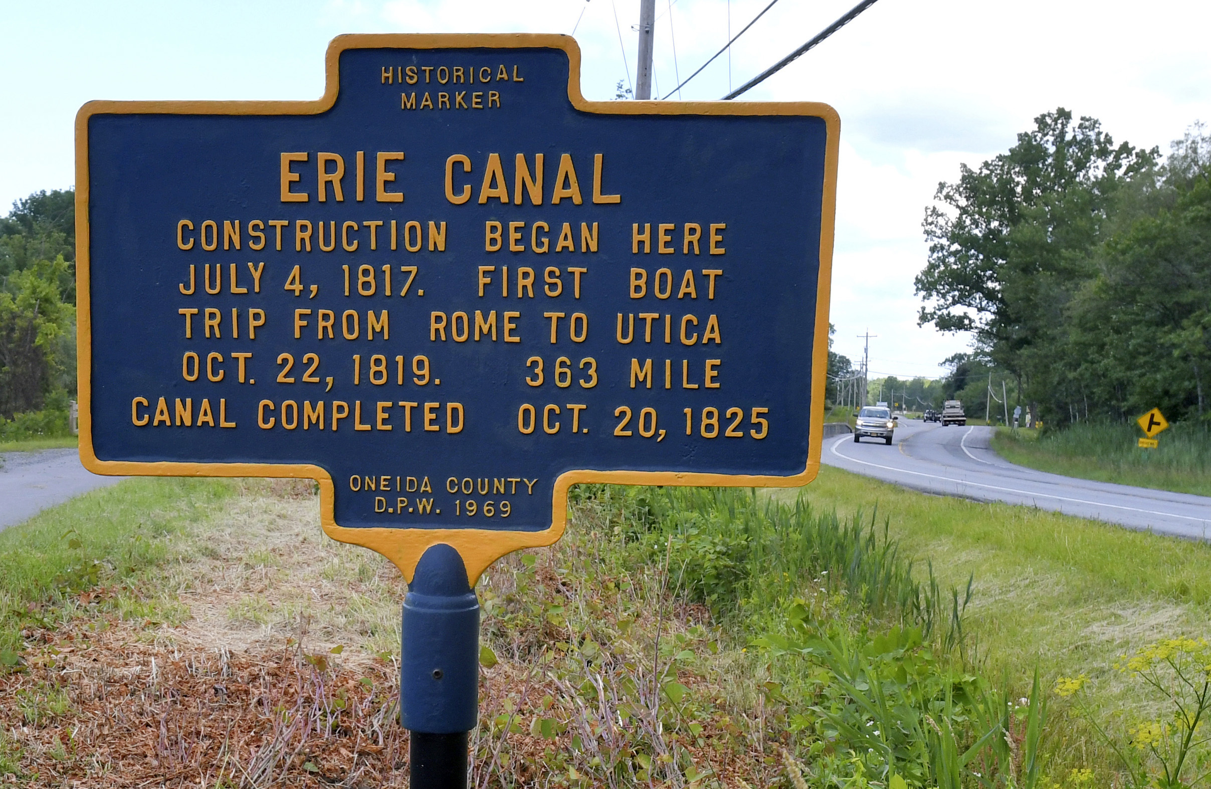 the erie canal New york's canal system has been in continuous operation since 1825, longer   erie canal, which connects the hudson river with lake erie, 338 miles to the.