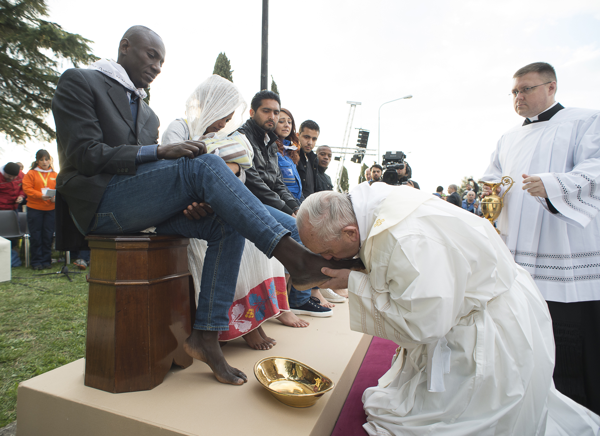 Image result for pope washes feet