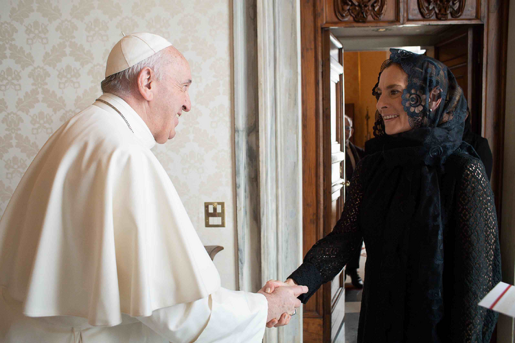 Pope Francis meets with Beatriz Gutiérrez Müller, wife of Mexican President Andrés Manuel López Obrador, during a private audience at the Vatican Oct. 10, 2020. The president's wife delivered a letter from the president asking Pope Francis to apologize for the church's role in the Spanish colonization of the Americas. (CNS photo/Vatican Media)