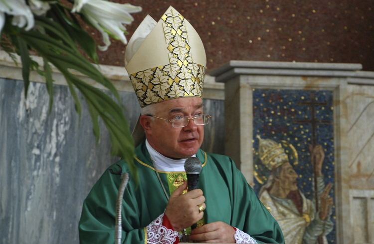 Archbishop Jozef Wesolowski, former nuncio to the Dominican Republic, celebrating Mass in Santo Domingo in 2009