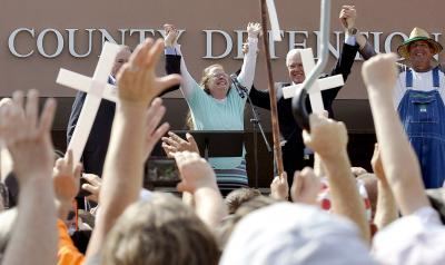 There will be other polarizing figures like Kim Davis taking center stage in 2016. (CNS photo/Chris Tilley, Reuters)