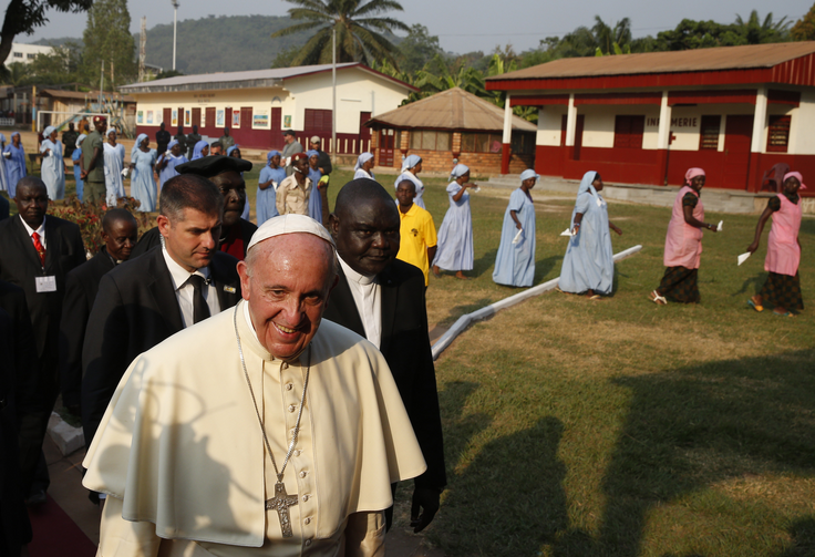 Pope Francis arrives for a meeting with evangelical communities in Bangui, Central African Republic, Nov. 29. (CNS photo/Paul Haring)