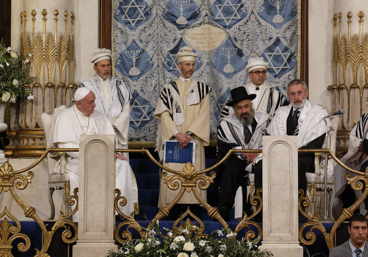 Pope Francis visits the main synagogue in Rome Jan. 17. Also seated is Rabbi Riccardo Di Segni, the chief rabbi of Rome, right. (CNS photo/Paul Haring)