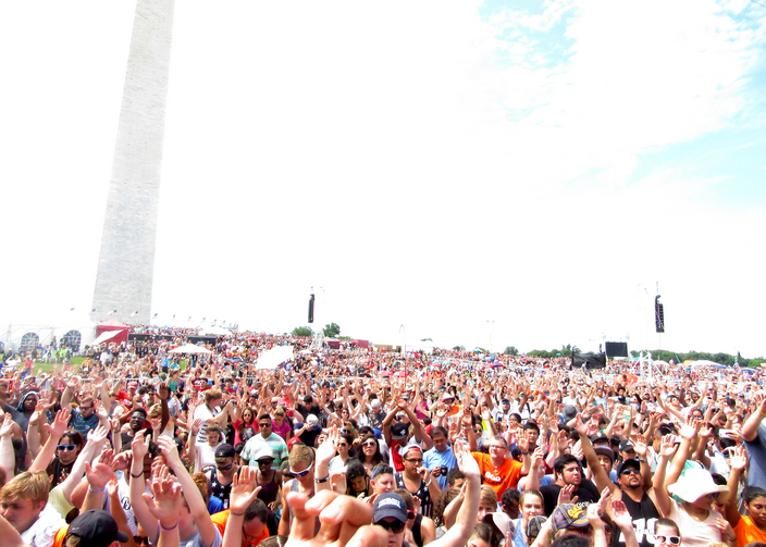 "An estimated 350,000 people attend the ""Together 2016"" event in Washington on July 16. (CNS photo/Ana Franco-Guzman)"
