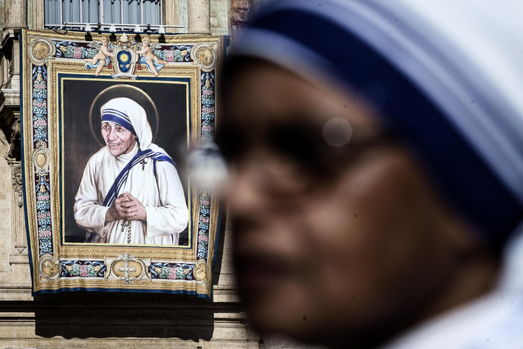 A tapestry depicting St. Teresa of Kolkata is seen in St. Peter's Square at the Vatican Sept. 4. (CNS photo/Angelo Carconi, EPA)