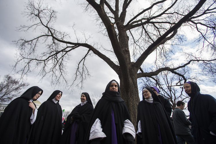 Women religious from the Children of Mary Convent in Newark, Ohio, gather during the 2015 annual March for Life in Washington. (CNS photo/Jim Lo Scalzo, EPA)