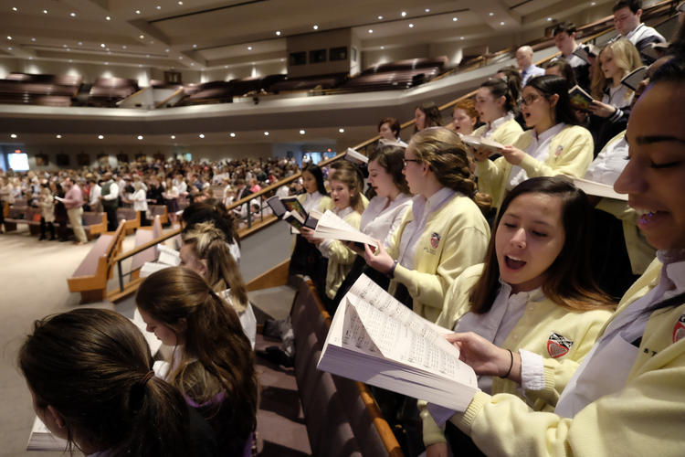 Students from various schools in the Diocese of Nashville, Tenn., provide music during a Mass on Feb. 1in celebration of Catholic Schools Week. (CNS photo/Rick Musacchio, Tennessee Register)