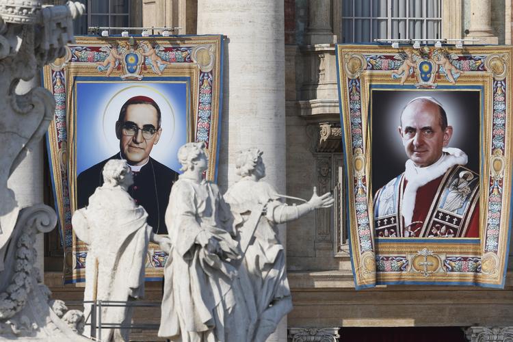 Pope Francis declares Pope Paul VI, Óscar Romero saints