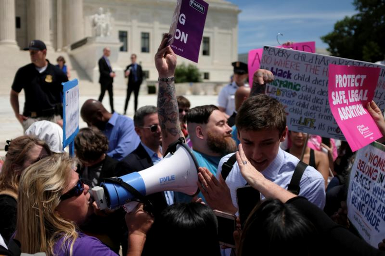 Changing state abortion laws show a nation divided. What does this mean for Roe v. Wade?