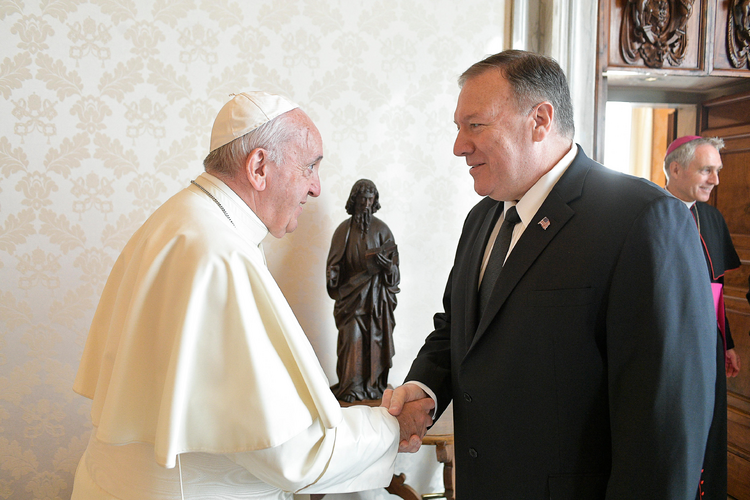 Scolding China, Pompeo proposes U.S./Vatican alliance on religious freedom