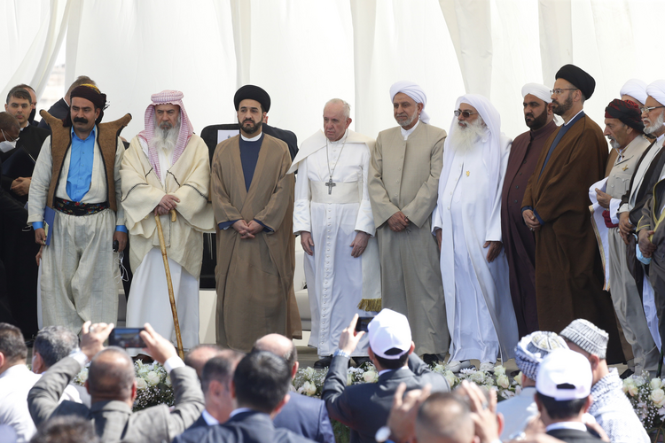 Pope Francis is pictured with religious leaders during an interreligious meeting on the plain of Ur near Nasiriyah, Iraq, March 6, 2021. (CNS photo/Paul Haring)