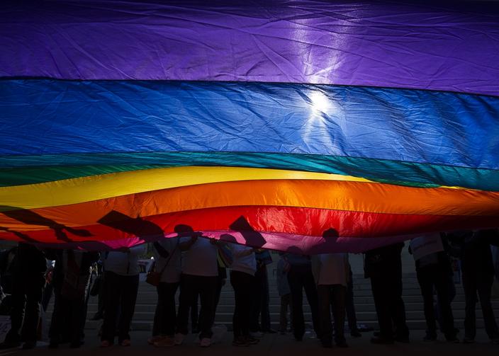 [Image: 20200615T1319-SCOTUS-LGBT-EMPLOYEES-7950...k=JLzfT4Zo]