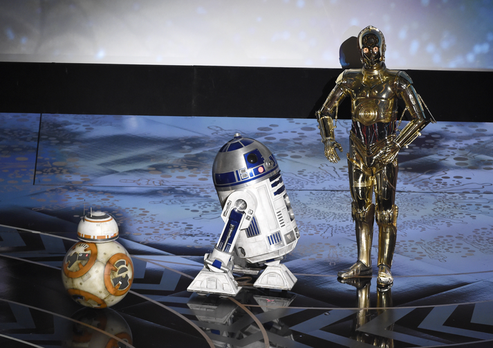 "Upstaged? Droid characters from ""Star Wars,"" BB-8, from left, R2-D2, and C-3PO speak at the Oscars on Sunday, Feb. 28, 2016, at the Dolby Theatre in Los Angeles. (Photo by Chris Pizzello/Invision/AP)"