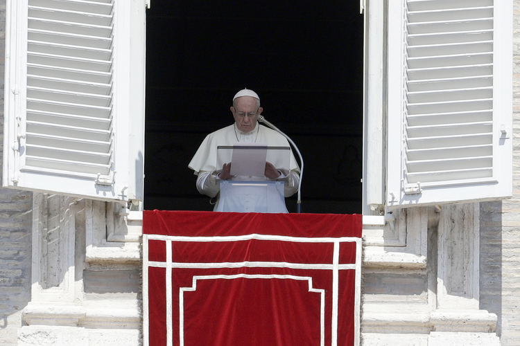 Pope Francis issues new letter on sex abuse: 'We showed no care for the little ones' | America Magazine