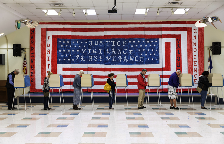 Voters cast their ballots at Robious Elementary School in Chesterfield, Va., on Tuesday, November 6, 2018. (Daniel Sangjib Min/Richmond Times-Dispatch via AP)