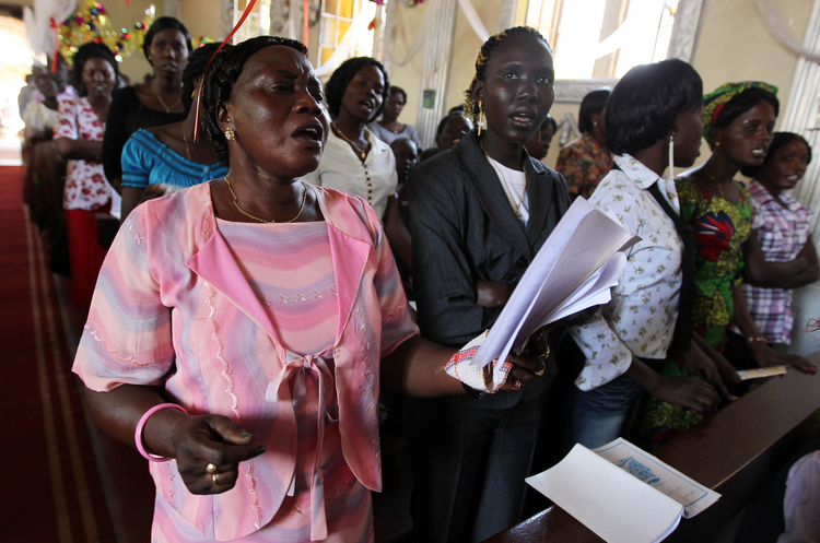 South Sudanese Catholics pray during Mass in 2011 at a church in Juba (CNS photo/ Mohmaed Messara, EPA).