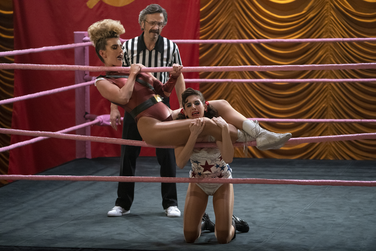 Debbie (Betty Gilpin) tangles with Ruth (Alison Brie) in 'GLOW' (photo: Netflix)