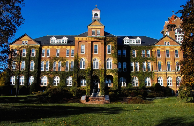 Saint Anselm College (Wikipedia)