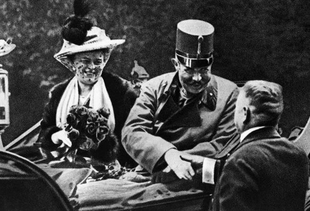 Archduke Ferdinand and his wife Sophie in Sarajevo