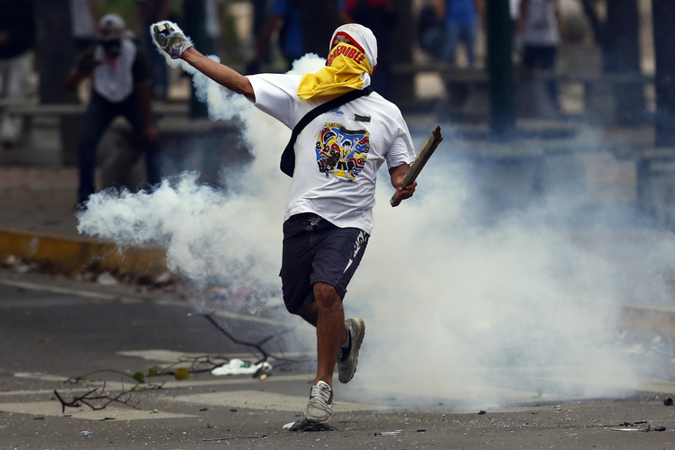 AntiChavismos? In Caracas anti-government protests continue.