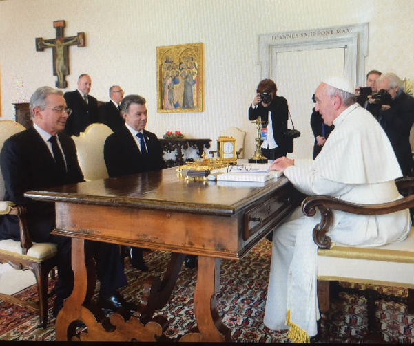 Senator Álvaro Uribe and President Juan Manuel Santos of Colombia meet with Pope Francis at the Vatican (Photo credit: L'Osservatore Romano)