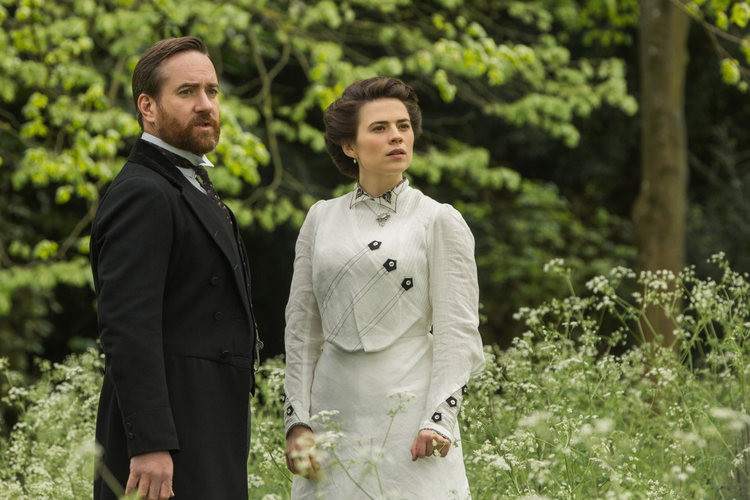 Matthew MacFadyen (Henry Wilcox) Hayley Atwell (Margaret Schlegel) in 'Howards End'
