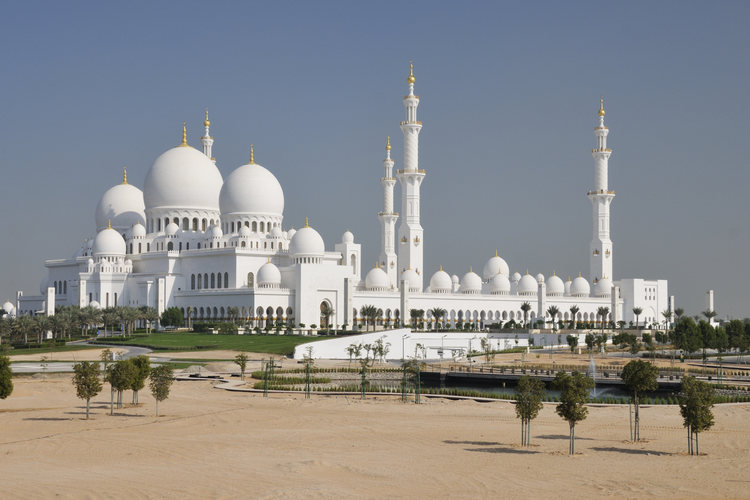Pope Francis will visit the Great Mosque of Sheik Zayed, one of the largest in the world and the most important place of worship in the country. (iStock/HeiFi)