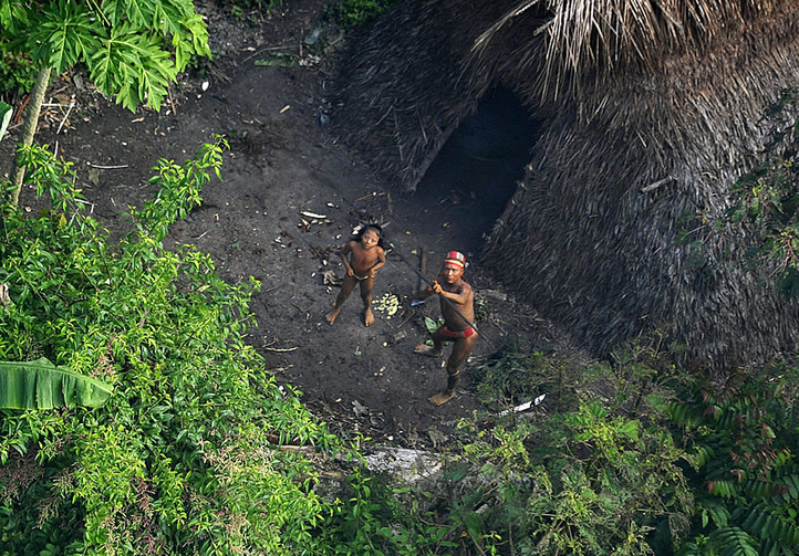 Members of an uncontacted tribe in the Brazilian state of Acre in 2012. Image courtesy of Agência de Notícias do Acre.