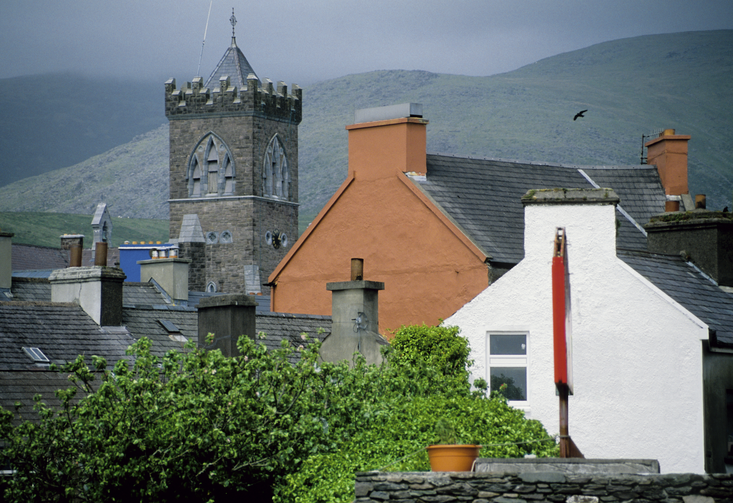 The town of Dingle in Ireland (photo via iStock)