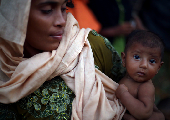 A mother and daughter are seen at a refugee camp near Cox's Bazar, Bangladesh Oct. 22. (CNS photo/Hannah McKay, Reuters)