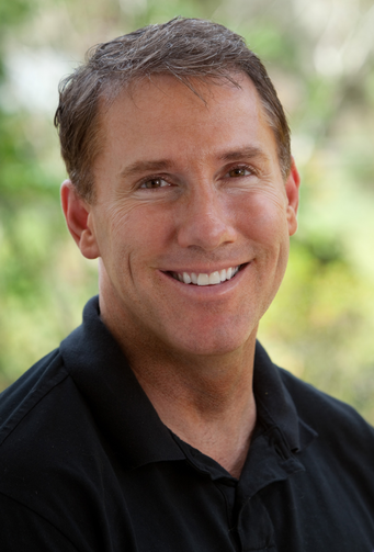 Nicholas Sparks, the popular Catholic romance novelist, in a 2010 photo. (CNS photo/Alan Markfield, courtesy Warner Bros.)