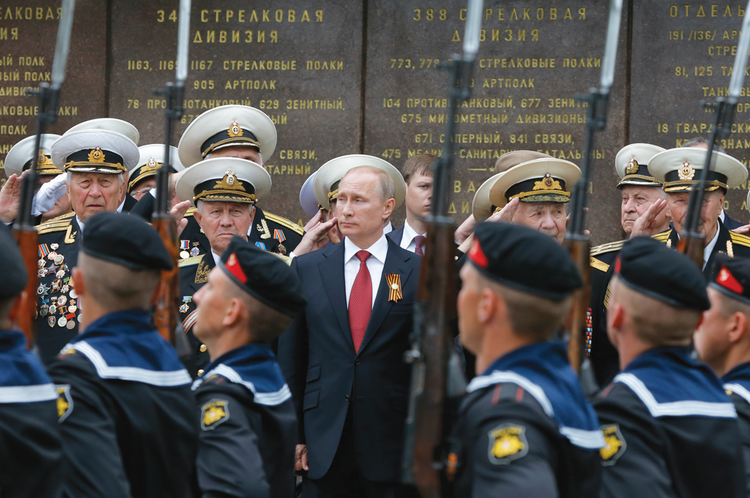 SEEING TSARS. President Vladimir Putin on Victory Day, in Sevastopol, May 9, 2014.