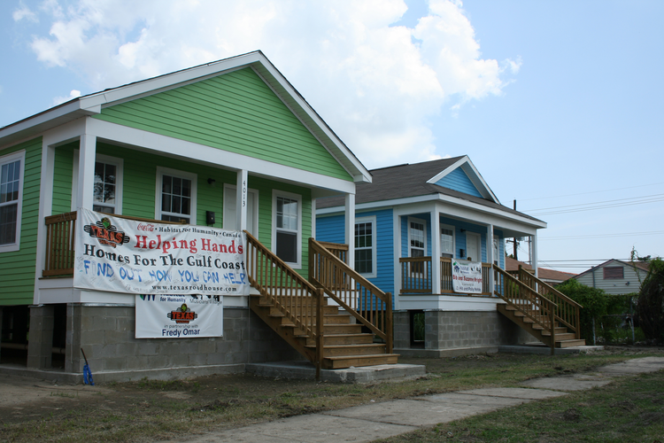 Two houses in the Ninth Ward, built with the help of volunteers (Laurie Barr/Shutterstock.com)
