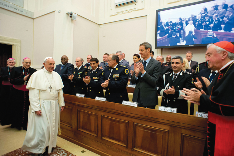 Traffick Cops: Pope francis arrives for the final session.