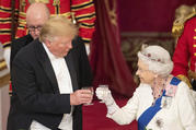 U.S. President Donald Trump and Queen Elizabeth II toast, during the State Banquet at Buckingham Palace, in London, Monday, June 3, 2019. (Dominic Lipinski/Pool Photo via AP)