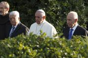 Palestinian, Israeli leaders arrive with pope for invocation for peace in Vatican Gardens, June 8, 2014 (CNS photo/Paul Haring).