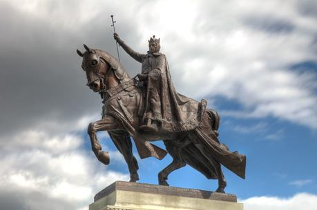 Apotheosis of St. Louis is a statue of King Louis IX of France, namesake of St. Louis, Missouri, located in front of the Saint Louis Art Museum in Forest Park (photo: Wikimedia).