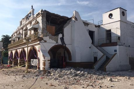 The Jojutla Municipal Palace, in Morelos State, was heavily damaged by last week's earthquake in Mexico. (AP Photo/Carlos Rodriguez)