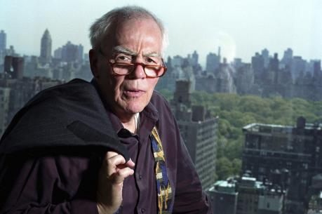 Jimmy Breslin in his New York City apartment in 2004. (AP Photo/Jim Cooper, File)
